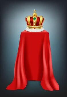Выставочная корона. подиум покрыт красной шелковой текстильной роскошной короной с ювелирной презентационной витриной реалистично. иллюстрация золотая корона на выставке, золотой королевский атрибут