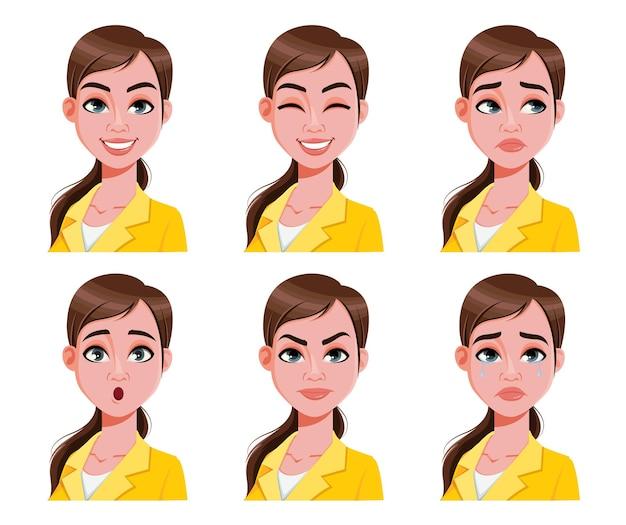 노란색 블라우스에 귀여운 여자의 얼굴 표정