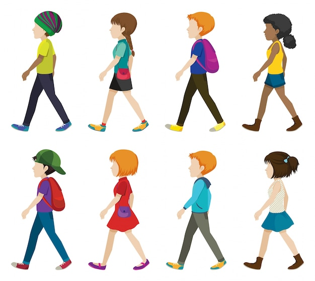 白い背景に歩いている無垢の子供たち