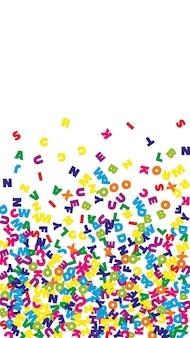 떨어지는 영어 글자. 라틴 알파벳의 다채로운 비행 단어입니다. 외국어 연구 개념입니다. 흰색 바탕에 학교 배너로 장엄한 다시입니다.