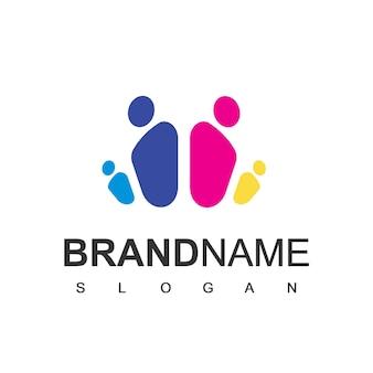 家族のロゴデザインベクトル