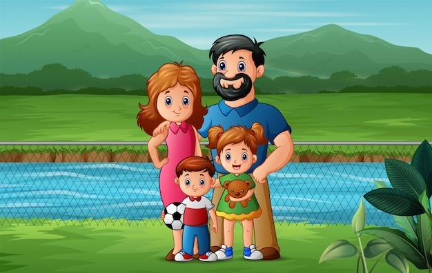 公園で遊んでいる家族