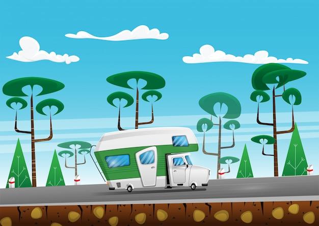 森林地帯の道路で夏に家族旅行のトラック。ロードトリップのキャンピングカー。漫画イラスト