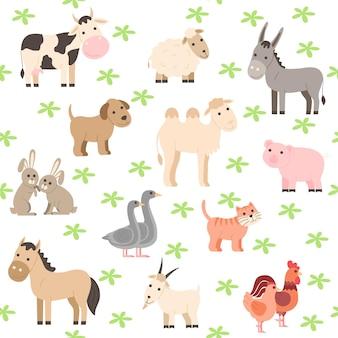 Бесшовный узор из сельскохозяйственных животных. симпатичная мультяшная коллекция домашних и домашних животных: корова, лошадь, осел, верблюд, собака, свинья, овца, коза, кошка, кролик и петух, курица и гусь.