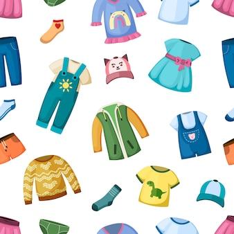 작은 아이 원활한 패턴 패션 의류입니다. 유아를 위한 창의적인 점프수트와 드레스 아름다운 티셔츠와 스웨터는 귀여운 현대적인 스타일로 즐거운 아이들을 위한 다채로운 디자인입니다. 벡터 어린 시절입니다.
