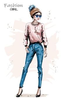 니트 모자에서 패션 소녀입니다.