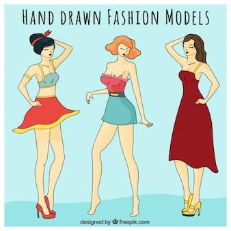 Модные модели с различной одежды
