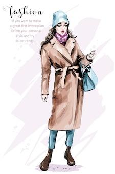 Женщина моды в стильной одежде