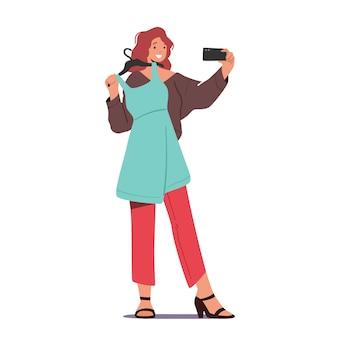 여성 캐릭터가 매장에서 드레스를 입고 자신을 촬영합니다.