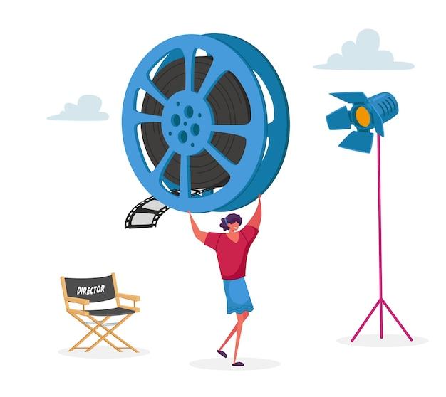 Женский персонаж принимает участие в съемках фильма персонал с профессиональным оборудованием