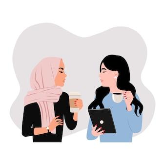 Коллега обсуждает. ситуация перерыва на кофе между хиджабом и азиаткой. плоский