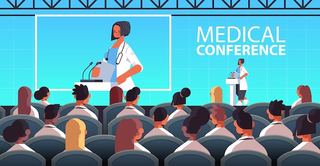 마이크 의료 회의 의학 의료 개념 강당 인테리어 수평 벡터 일러스트와 함께 트리뷴에서 연설을하는 여성 의사