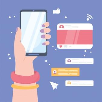 スマートフォンのチャットの泡、ソーシャルネットワークのコミュニケーションシステムおよび技術を持つ女性の手
