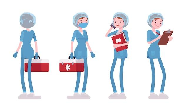 立っている女性看護師