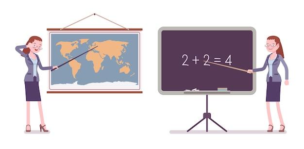 地図とボードに立っている女教師
