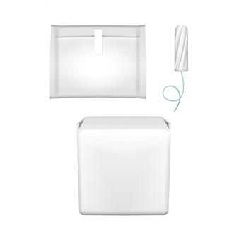 女性用の衛生パッド。生理用ナプキン、衛生パッド、タンポン用のプラスチックパック。白い背景の上の包装。月経日