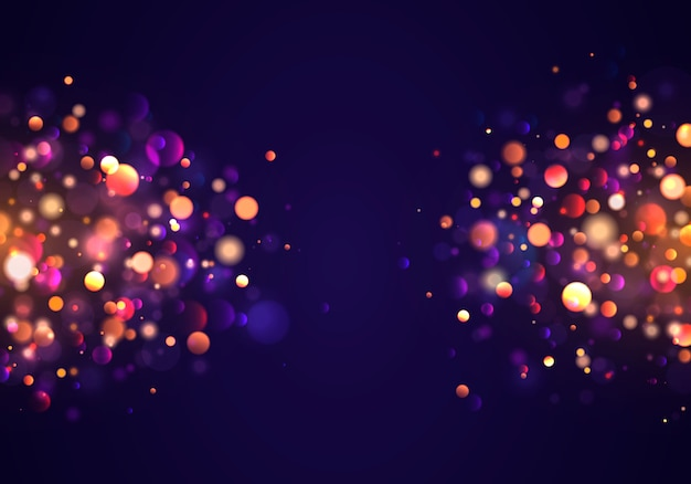 黄金のカラフルなライトのボケ味を持つお祝いの紫と金色の明るい背景。クリスマスコンセプトクリスマスのグリーティングカード。魔法の休日ポスター、バナー。夜の明るいゴールドの輝き光の抽象