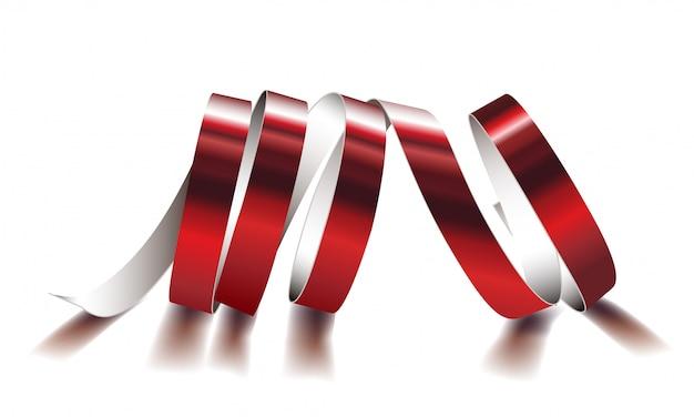 白い背景の上のお祝いの赤いリボン。リアルなストリーマー。あなたと素晴らしいカードのためのカーニバルパーティーの蛇紋岩の装飾。