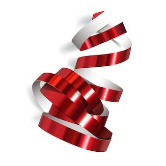 白い背景の上のお祝いの赤いリボン。リアルなストリーマー。あなたのバナーと素晴らしいカードのデザインのためのカーニバルパーティーの曲がりくねった装飾。