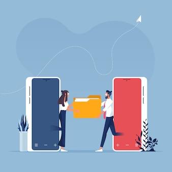 Совместное использование или передача файлов или документов на мобильных телефонах - концепция технологии бизнеса Premium векторы