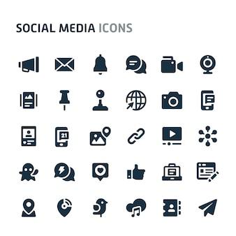 ソーシャルメディアのアイコンを設定します。 fillioブラックアイコンシリーズ。