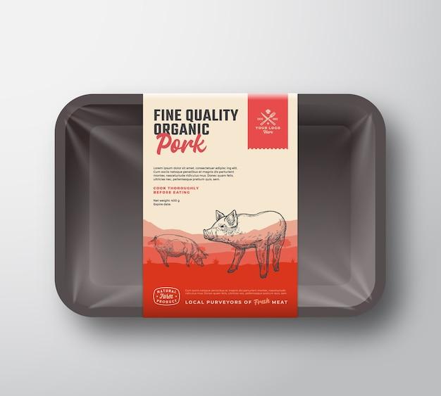 양질의 유기농 돼지 고기. 고기 플라스틱 트레이 용기 모형