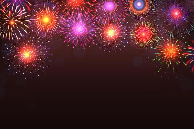 花火の背景。テキストの場所と暗い背景に光バースト効果を持つカラフルな爆発。ベクトル漫画黄青赤花火