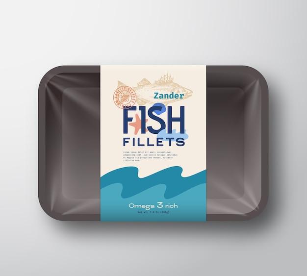 Пакет рыбного филе. абстрактный пластиковый лоток для рыбы с крышкой из целлофана. упаковка