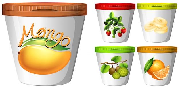 Пять чашек йогурта с иллюстрациями фруктов