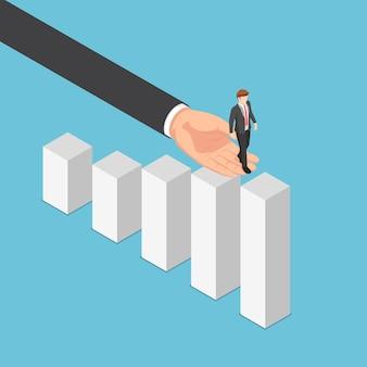 ビジネスマンがグラフのトップに到達するのを助けるフラット3dアイソメトリック大企業の手。ビジネスアシスタントとチームワークの概念。