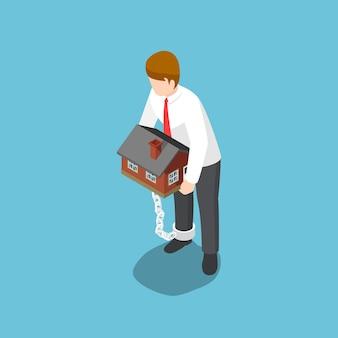 Плоские 3d изометрические бизнесмен, несущий домой, который скован цепями с его лодыжками. концепция финансового долга.