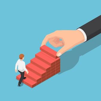 ビジネスマンがより高く上がるのを助けるためにステップ階段として木のブロックの積み重ねを配置する平らな3d等尺性の手。ビジネスの成長の成功とチームワークの概念。