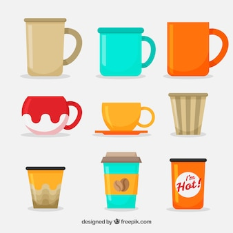 Collezione di tazze da caffè piatte