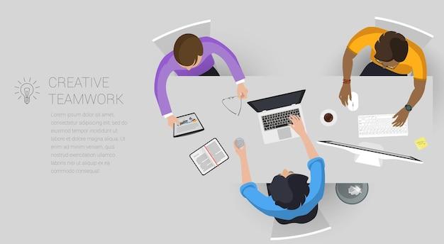 창의적인 비즈니스 프로세스 및 비즈니스 전략에 대한 평면 디자인 웹 페이지 개념