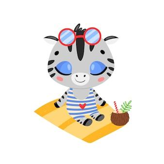 Плоский рисунок милый мультфильм летняя зебра, загорая на пляже. животные тропических джунглей