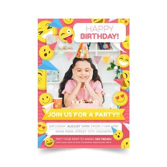 Modello di invito compleanno emoji piatto con foto