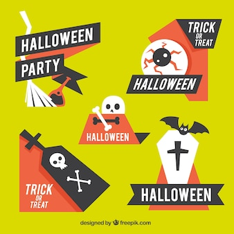 Плоские этикетки хэллоуина с современным стилем