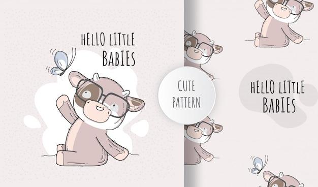 蝶のフラットパターンかわいい動物の赤ちゃん牛