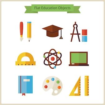 フラットな学校と教育オブジェクトセット。ベクトルイラスト。白で隔離された知識オブジェクトのコレクション。科学と学習。学校のコンセプトに戻る