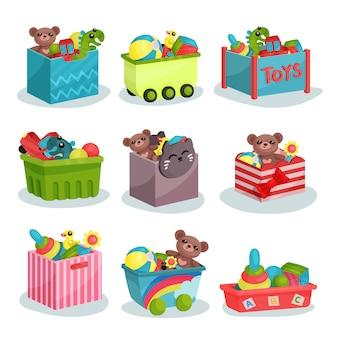 子供のおもちゃでいっぱいの容器のフラットセット。テディベアと恐竜、ゴムボールとアヒル、カラフルなピラミッド