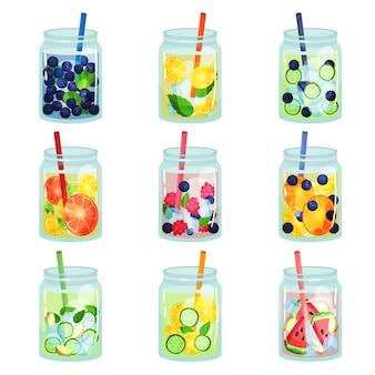 다양한 재료로 맛있는 해독 음료의 평면 세트. 상쾌한 과일 물. 자연 건강 음료. 빨 대와 유리 항아리에 유기농 칵테일