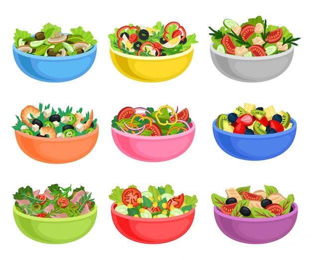 Плоский набор овощных и фруктовых салатов. аппетитные блюда из свежих продуктов. органическая и здоровая пища
