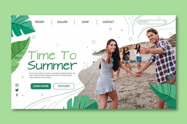Modello di pagina di destinazione estiva piatta con foto