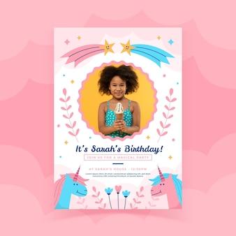 Modello di invito compleanno unicorno piatto con foto