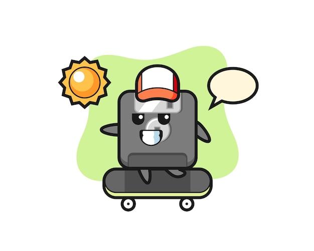 フロッピーディスクのキャラクターイラストがスケートボードに乗る、tシャツ、ステッカー、ロゴ要素のかわいいスタイルのデザイン