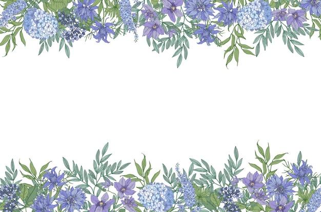 Цветочный горизонтальный фон с декоративной каймой из великолепных диких цветущих цветов и цветущих трав, рисованной на белом