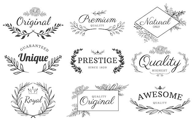 꽃 장식 레이블. 꽃과 가지 상징, 장식 리프 프레임 및 장식 프레임 텍스트 템플릿 집합입니다.