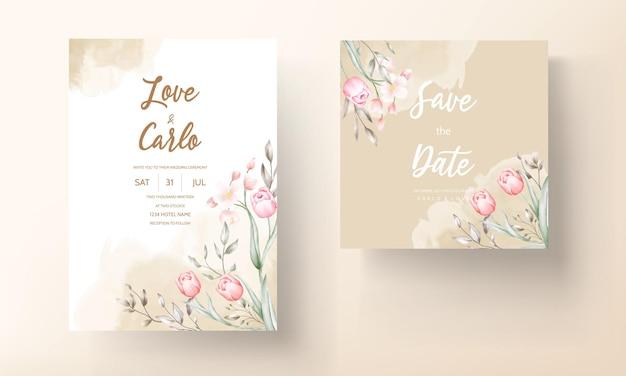 Цветочный шаблон свадебного приглашения с коричневыми и персиковыми цветами и листьями