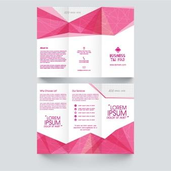 Шаблон flyer с розовыми геометрическими фигурами
