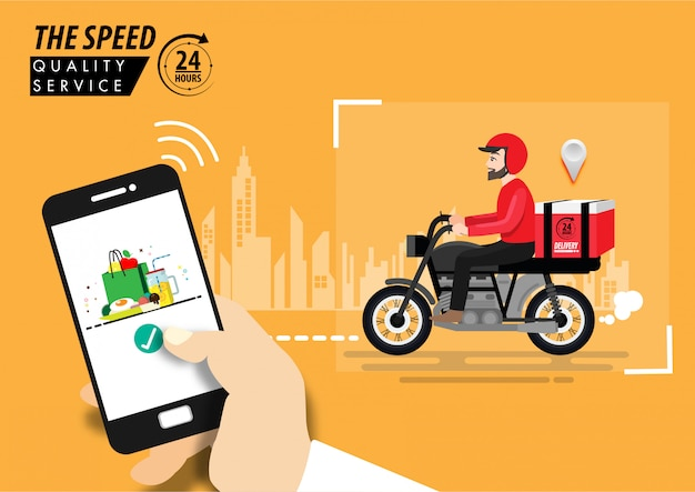 준비 식사, 기술 및 물류 개념으로 오토바이에 배달 남자를 추적하는 스마트 폰의 음식 배달 앱